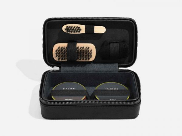 These Stackers Shoe Shine kits come in a small and stylish travel case allowing you to look clean and sharp whether you go. Size: 10.5cm x 19.5cm x 7cm By Stackers Product Code: 75431